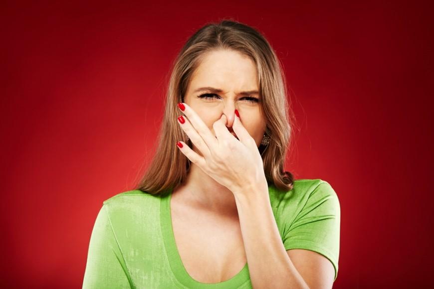 Неприятный запах при месячных и после: причины и как избавиться