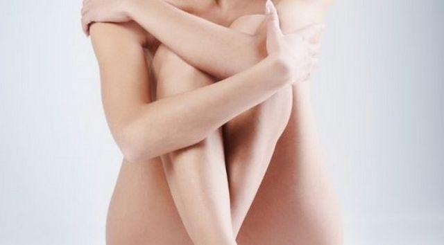 Причины белых выделений у женщин из влагалища: обильные, густые с запахом