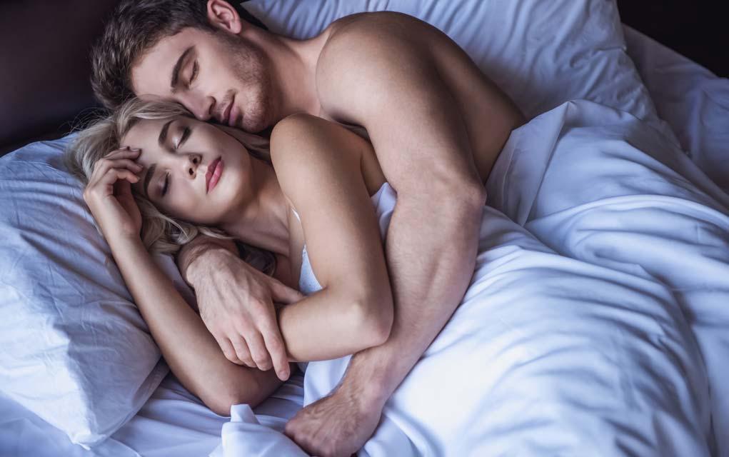 Можно ли заниматься сексом перед и во время месячных и каковы шансы забеременеть?