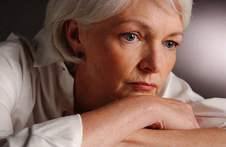 Искусственный климакс: симптомы, препараты, беременность после искусственной менопаузы