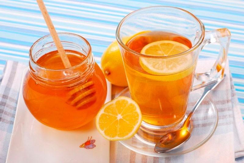 Можно ли беременным мед на ранних сроках или во 2–3 триместре с чаем, лимоном или водой?