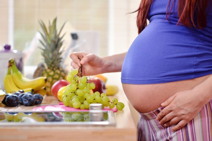 Можно ли беременным виноград?